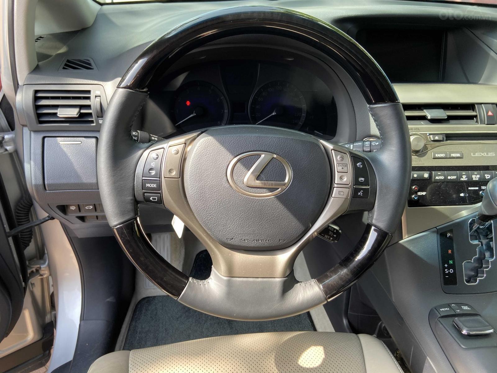 Cần bán lại xe Lexus RX năm 2015, màu bạc, xe nhập khẩu, đi giữ gìn, mới 99,9% bao test (12)