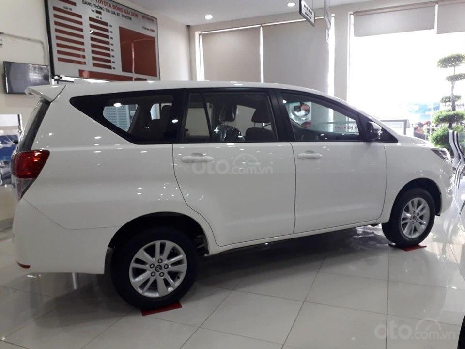 Tháng hỗ trợ 50% thuế trước bạ cho xe Innova (2)
