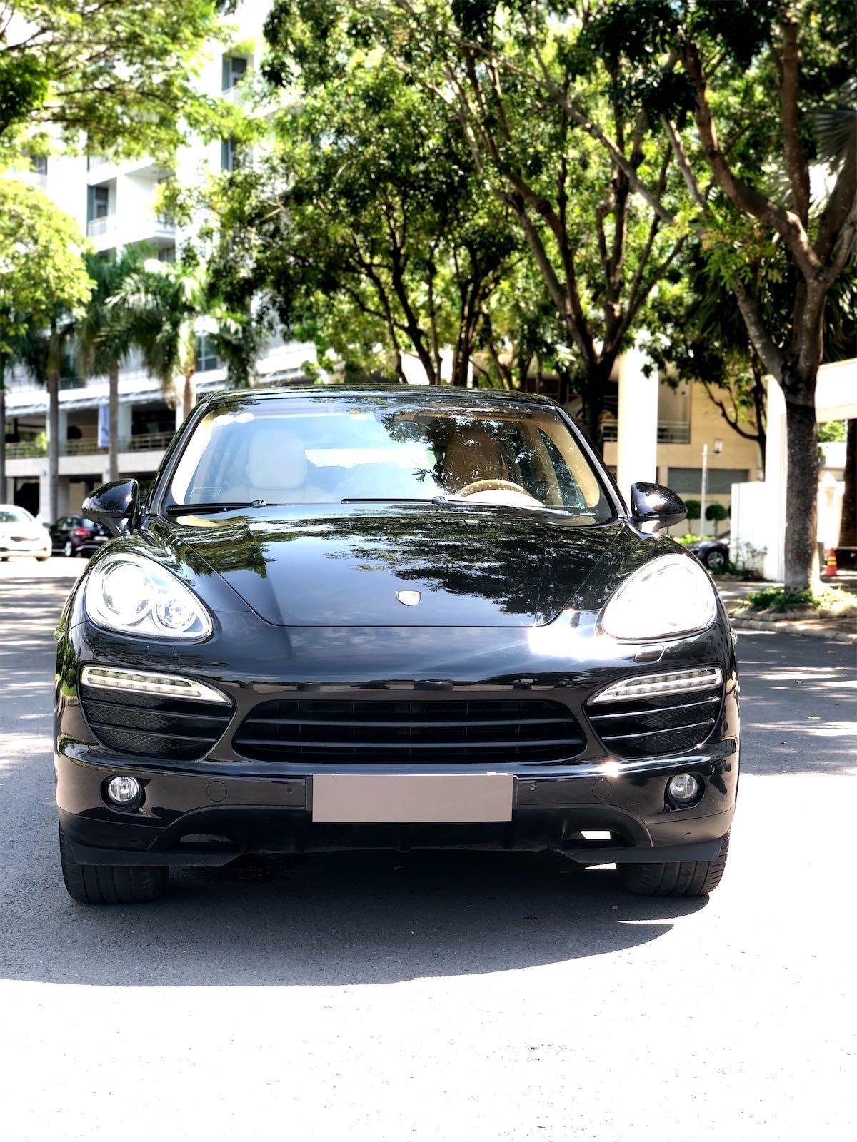 Cần bán Porsche Cayenne năm 2011, màu đen, xe nhập, giá chỉ 1 tỷ 790 triệu đồng (4)