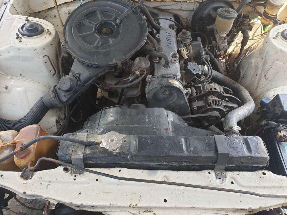 Cần bán lại xe Toyota Corona năm sản xuất 1984, màu trắng (7)
