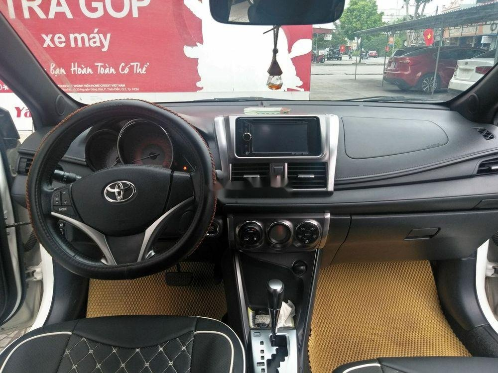 Cần bán xe Toyota Yaris đời 2014, màu trắng, xe nhập (9)