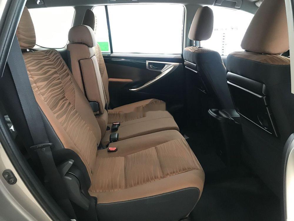 Cần bán Toyota Innova đời 2019, ưu đãi tốt (6)