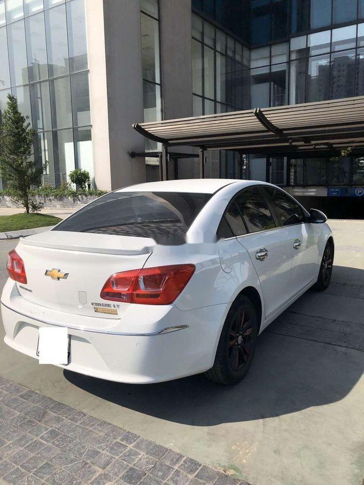 Bán Chevrolet Cruze MT đời 2016, màu trắng số sàn giá tốt (4)