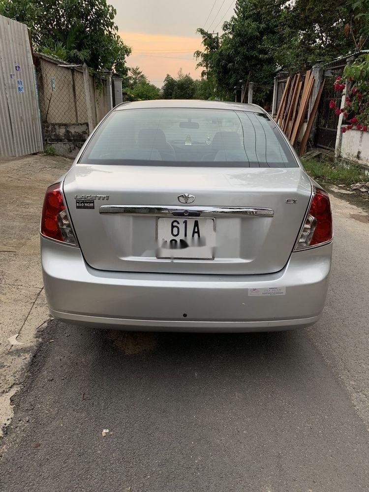 Cần bán lại xe Daewoo Lacetti năm sản xuất 2011, màu bạc (6)