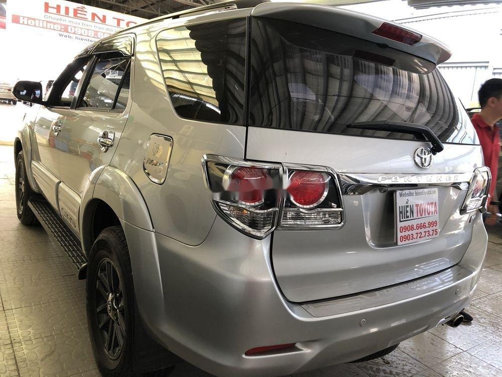 Bán Toyota Fortuner năm sản xuất 2016 như mới (8)