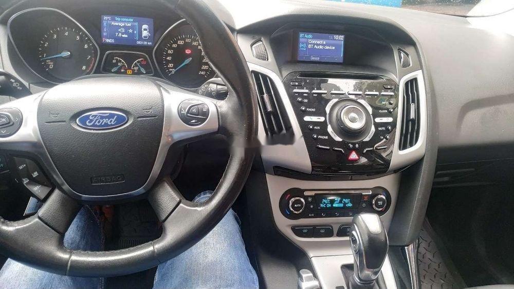Cần bán xe Ford Focus đời 2014, màu xám xe gia đình, giá 495tr xe nguyên bản (3)