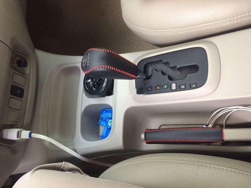 Cần bán xe Toyota Innova năm 2012 xe gia đình, giá tốt (8)
