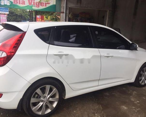 Cần bán lại xe Hyundai Accent đời 2016, màu trắng, nhập khẩu số tự động, giá 460tr (2)