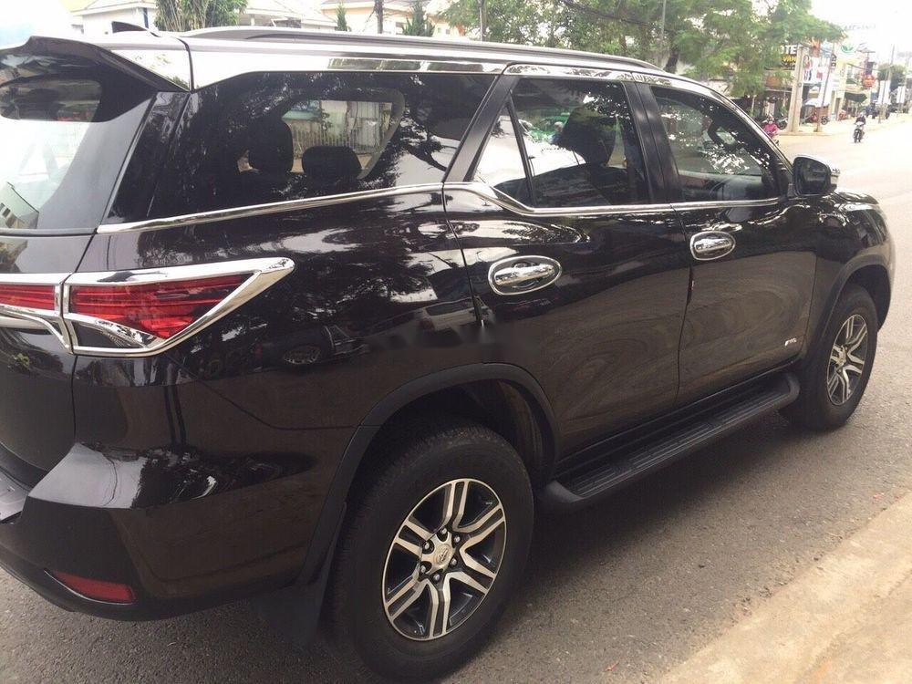 Cần bán Toyota Fortuner năm sản xuất 2017, nhập khẩu xe gia đình giá tốt (5)