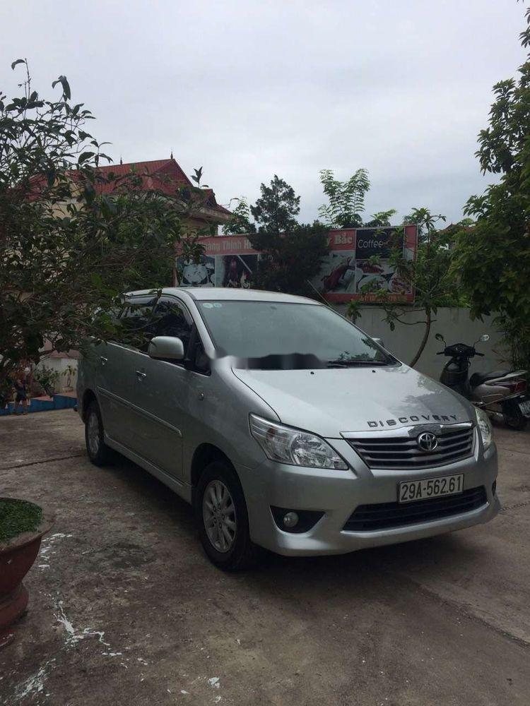 Cần bán xe Toyota Innova năm 2012 xe gia đình, giá tốt (2)