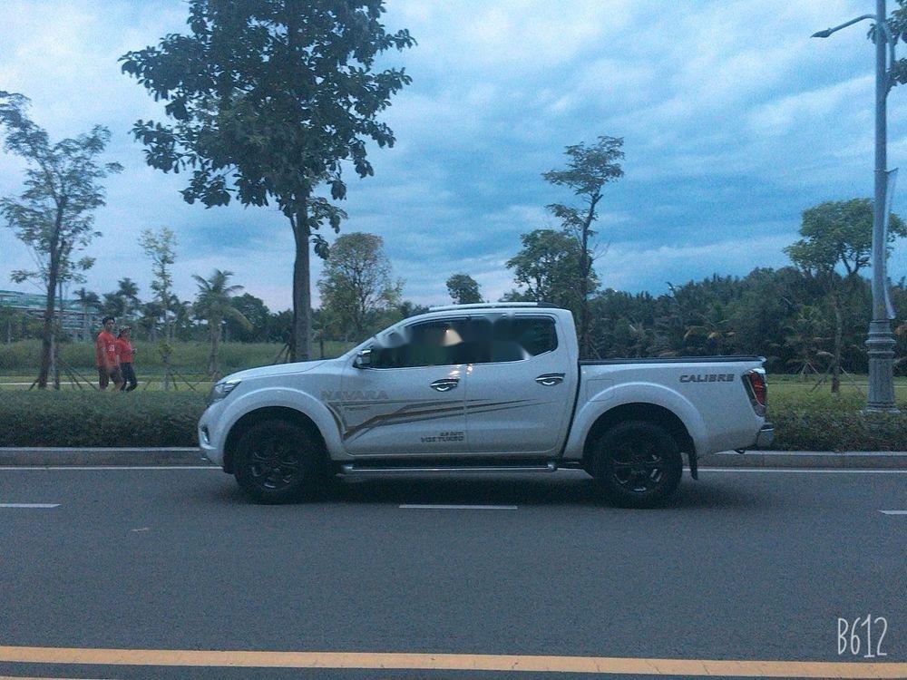 Cần bán gấp Nissan Navara AT đời 2017, màu trắng, xe nhập chính chủ, giá tốt (3)