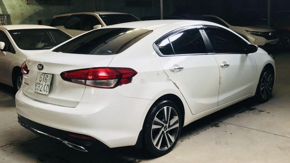 Bán Kia Cerato năm sản xuất 2018, màu trắng như mới (1)