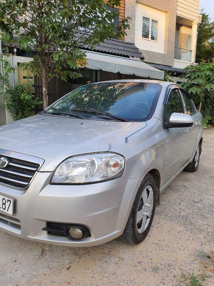 Cần bán lại xe Daewoo Gentra MT 2009, màu bạc xe gia đình (2)