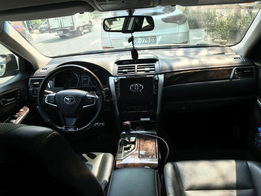 Cần bán Toyota Camry năm sản xuất 2016 xe nguyên bản (5)