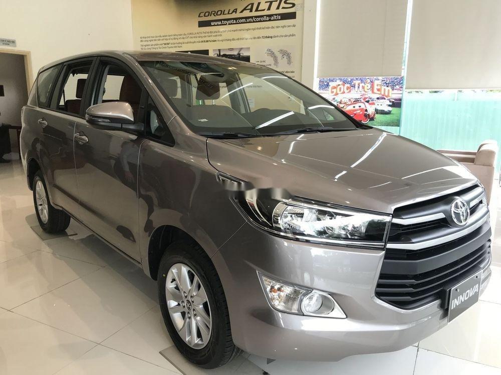 Cần bán Toyota Innova đời 2019, ưu đãi tốt (2)