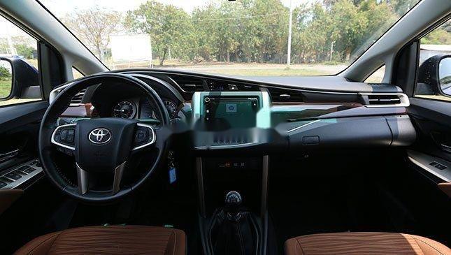 Cần bán Toyota Innova sản xuất năm 2019, hỗ trợ tốt (2)