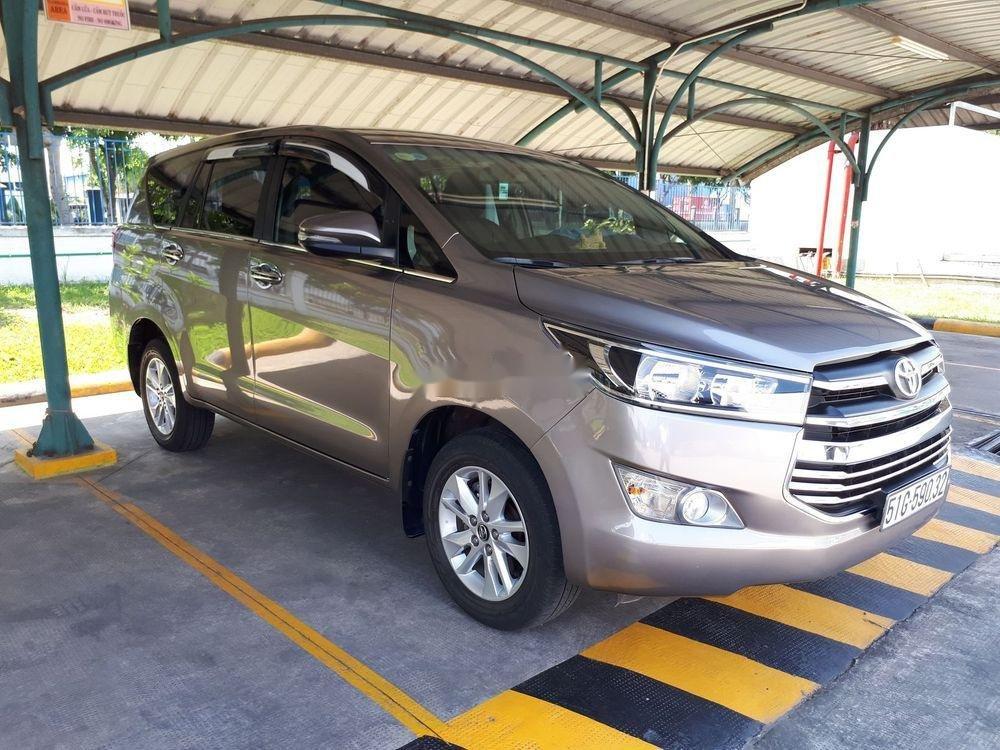 Bán xe Toyota Innova đời 2018 màu đồng ánh kim (1)