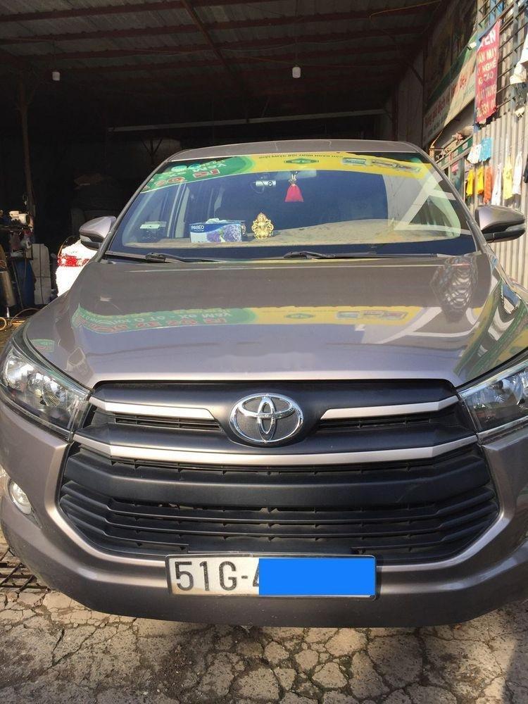 Cần bán xe Toyota Innova năm 2017 (1)
