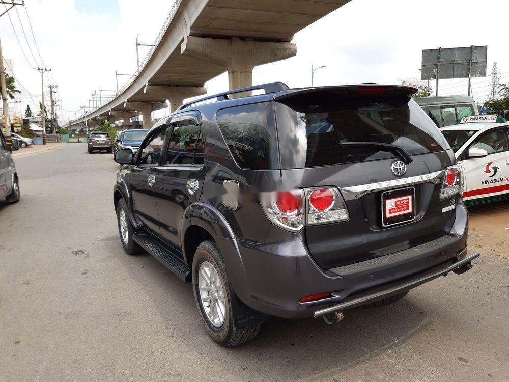 Cần bán Toyota Fortuner G sản xuất 2014, màu xám số sàn (6)