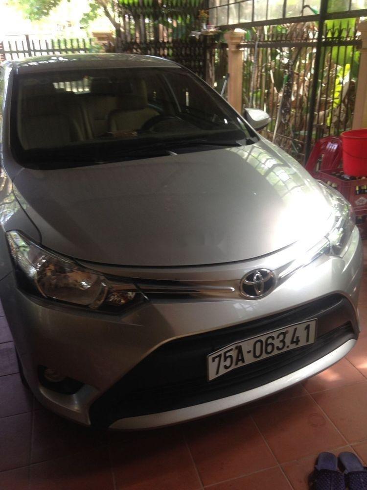 Cần bán Toyota Vios sản xuất 2015, màu bạc, giá tốt (3)