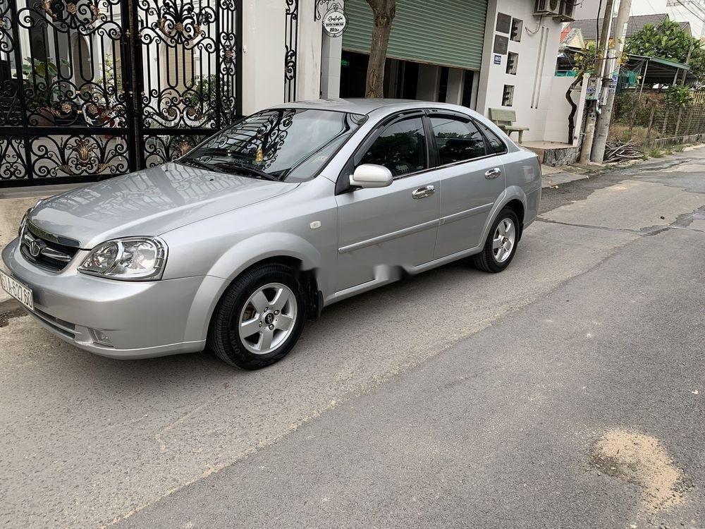 Cần bán lại xe Daewoo Lacetti năm sản xuất 2011, màu bạc (2)