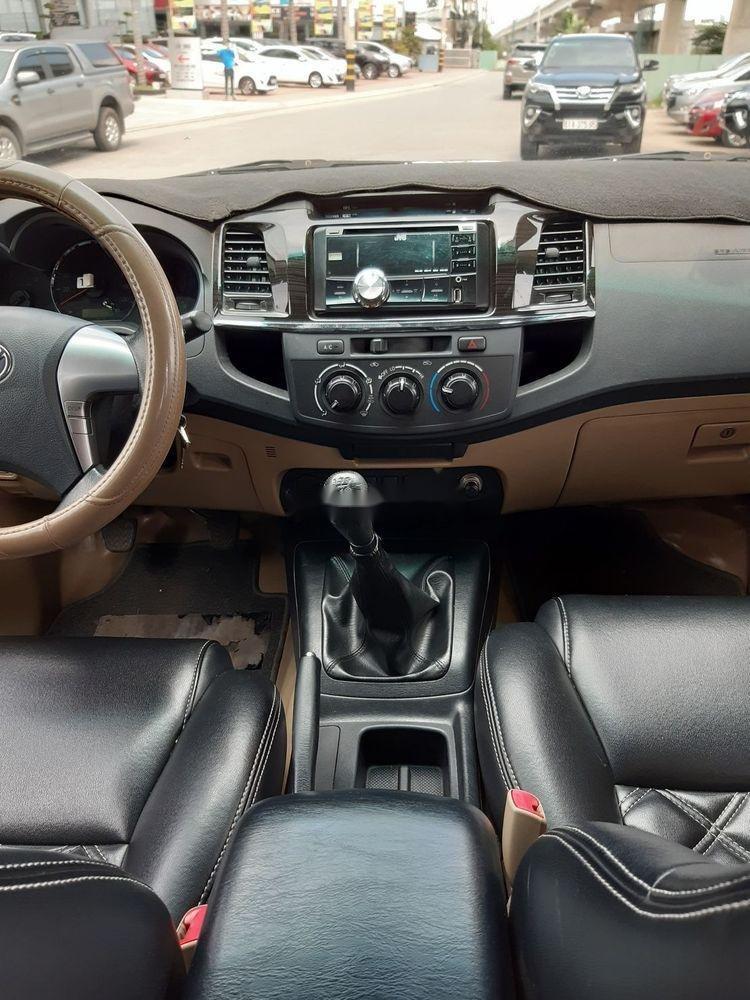 Cần bán Toyota Fortuner G sản xuất 2014, màu xám số sàn (8)