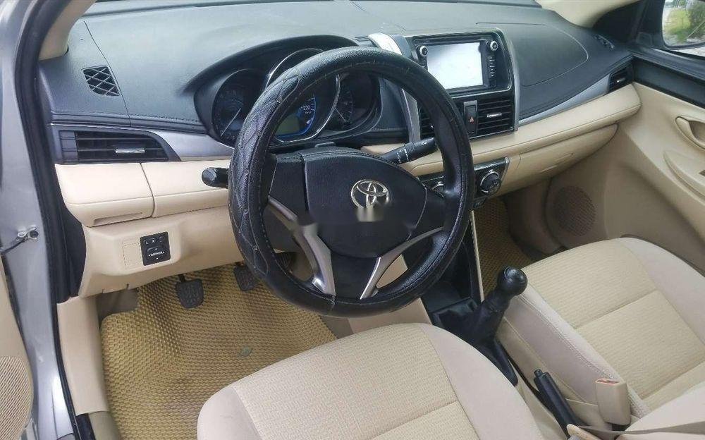 Bán xe Toyota Vios EMT sản xuất 2016, màu bạc xe gia đình (4)