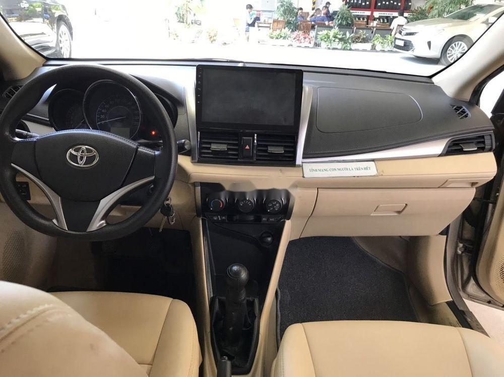 Cần bán Toyota Vios E năm 2017 số sàn, màu nâu vàng (4)