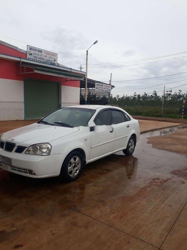 Cần bán gấp Daewoo Lacetti 2005, màu trắng, nhập khẩu chính chủ (4)