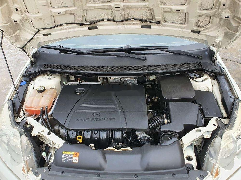Cần bán gấp Ford Focus 1.8AT 2010, màu trắng số tự động (2)