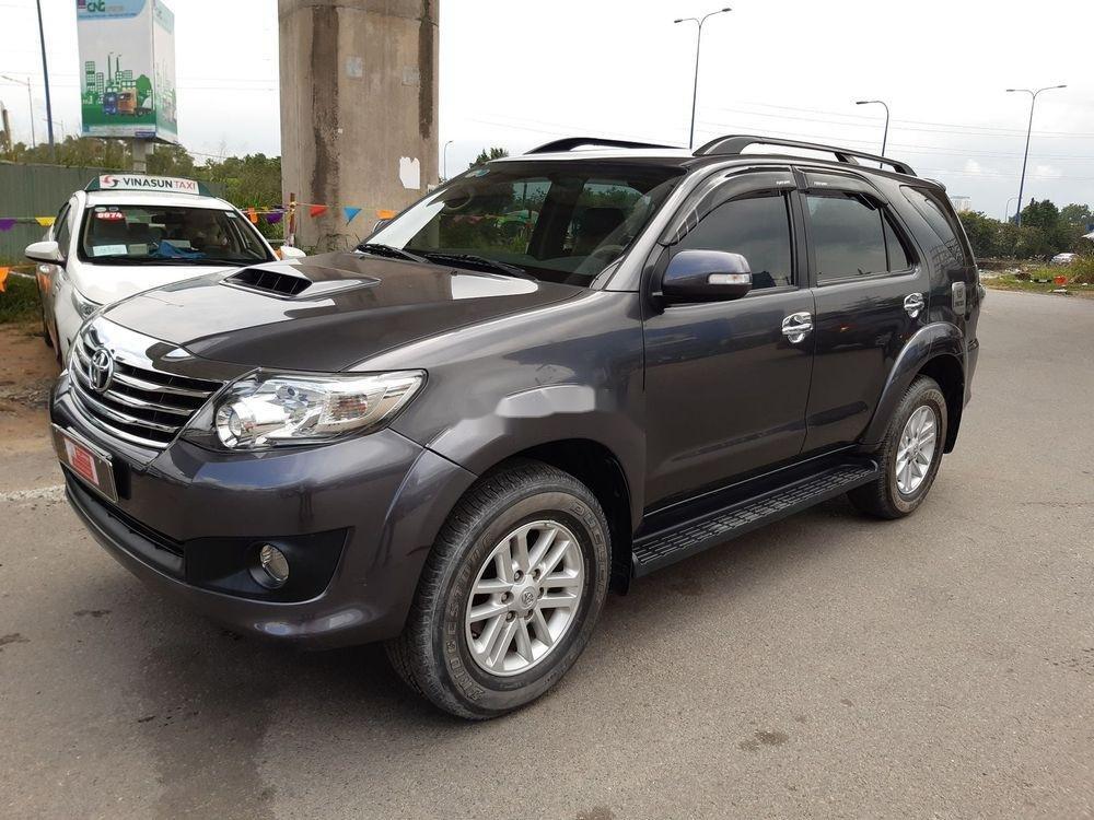 Cần bán Toyota Fortuner G sản xuất 2014, màu xám số sàn (3)
