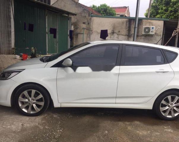 Cần bán lại xe Hyundai Accent đời 2016, màu trắng, nhập khẩu số tự động, giá 460tr (1)