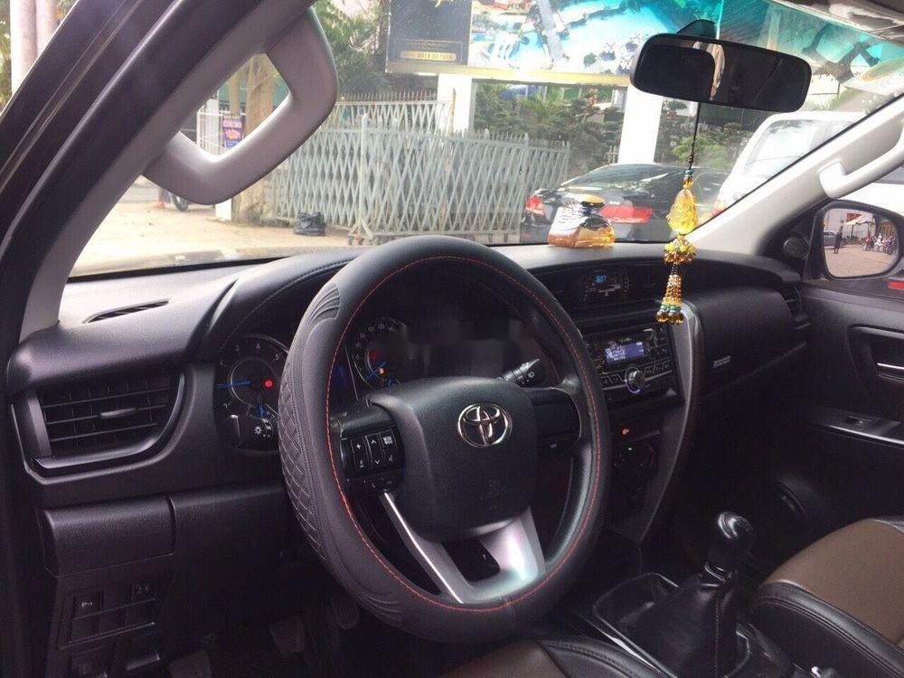 Cần bán Toyota Fortuner năm sản xuất 2017, nhập khẩu xe gia đình giá tốt (4)