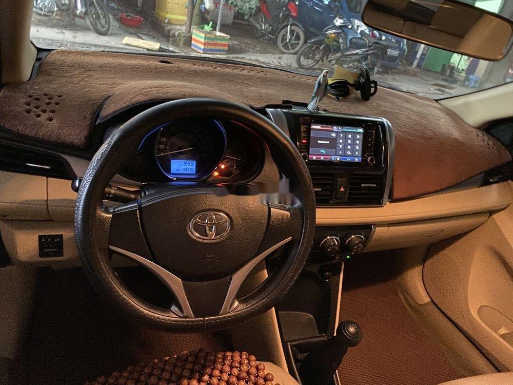 Bán Toyota Vios 1.5MT  đời 2016, màu trắng xe gia đình (7)