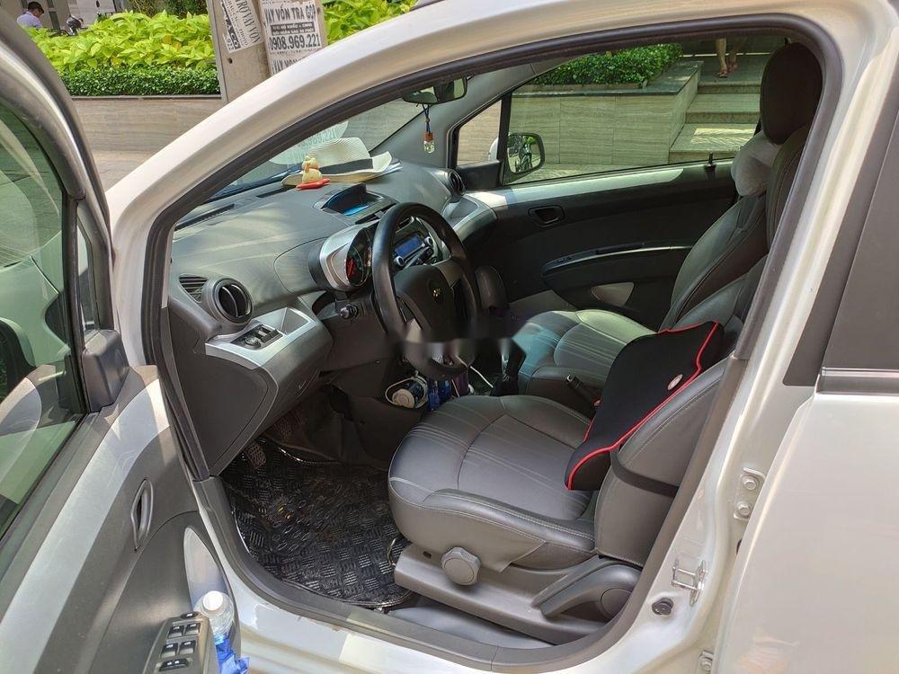 Cần bán Chevrolet Spark 1.2 LT 2017, màu trắng (7)