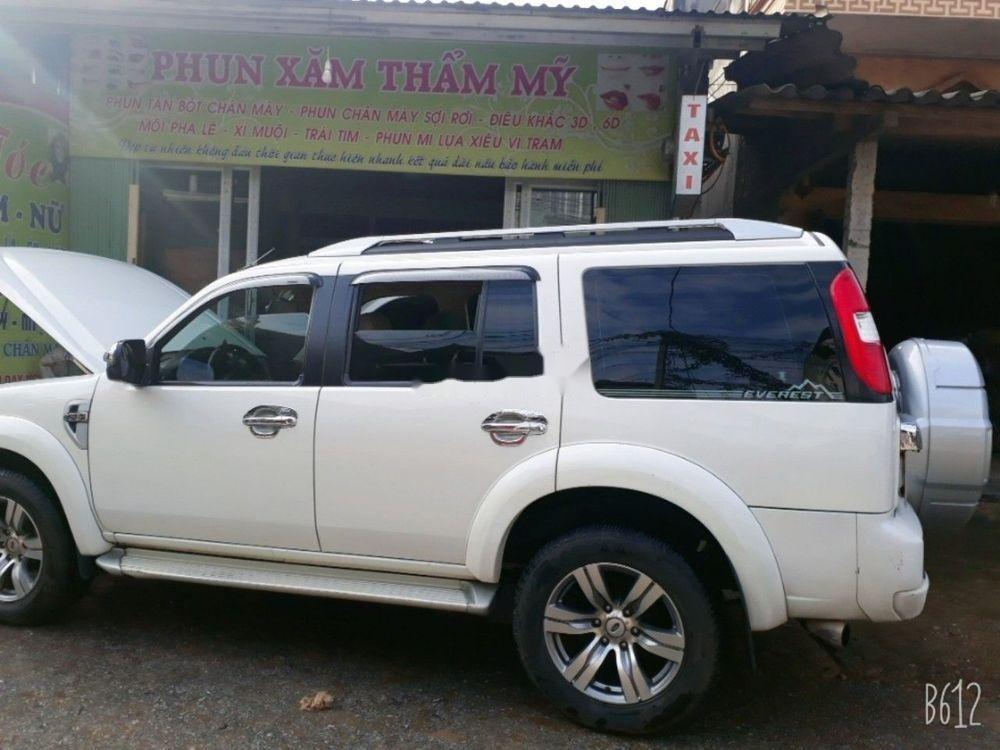 Bán xe Ford Everest 2012, màu trắng, nhập khẩu chính hãng (11)