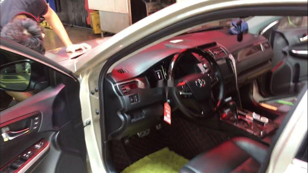 Cần bán Toyota Camry năm sản xuất 2016 xe nguyên bản (4)