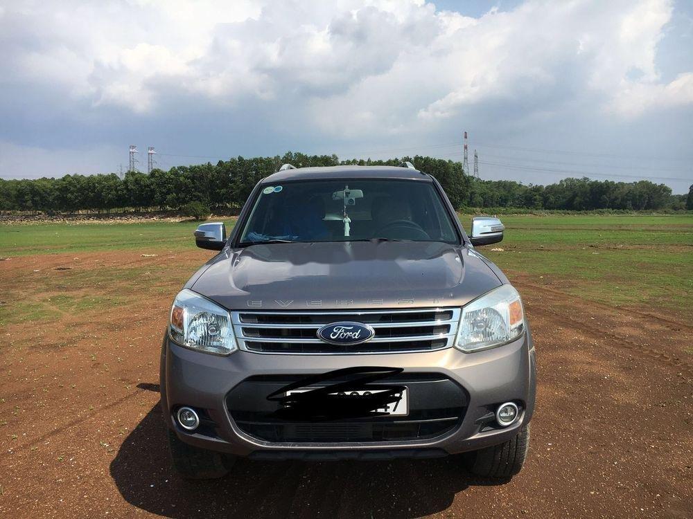 Cần bán xe Ford Everest MT năm sản xuất 2014 chính chủ, 615 triệu (1)