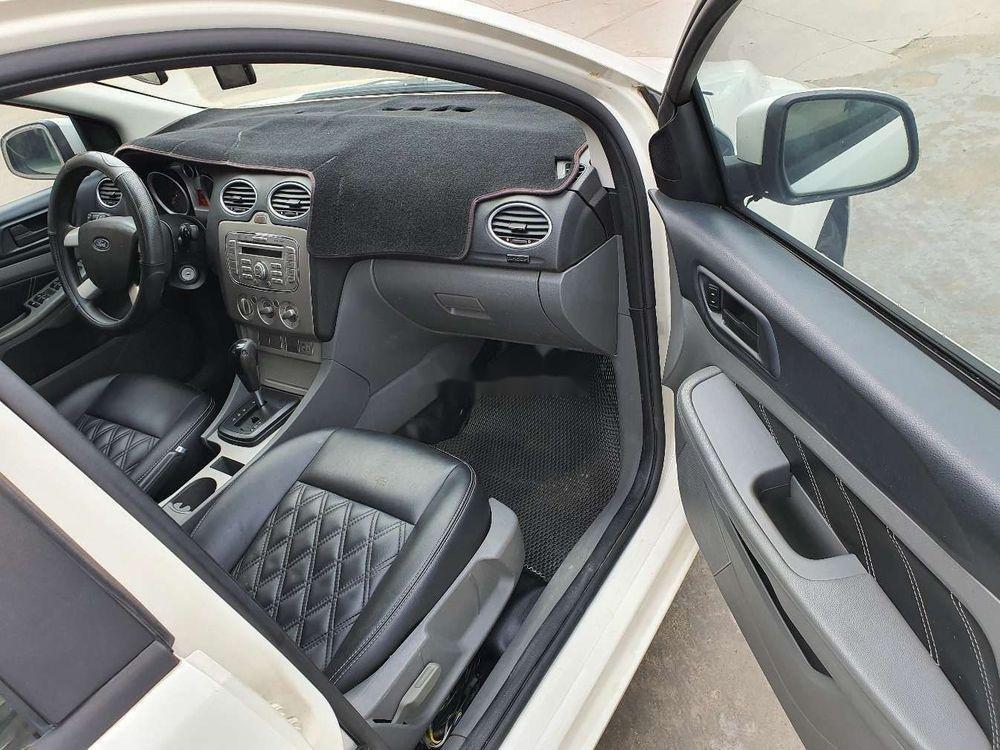 Cần bán gấp Ford Focus 1.8AT 2010, màu trắng số tự động (8)