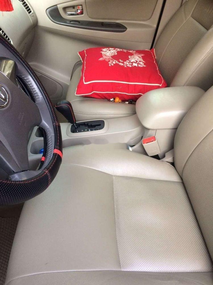 Cần bán xe Toyota Innova năm 2012 xe gia đình, giá tốt (10)