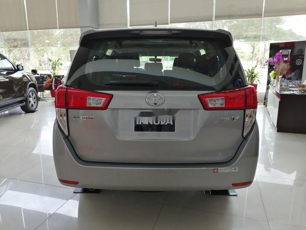 Bán Toyota Innova năm 2019, giá ưu đãi (5)