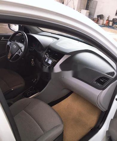 Cần bán lại xe Hyundai Accent đời 2016, màu trắng, nhập khẩu số tự động, giá 460tr (4)