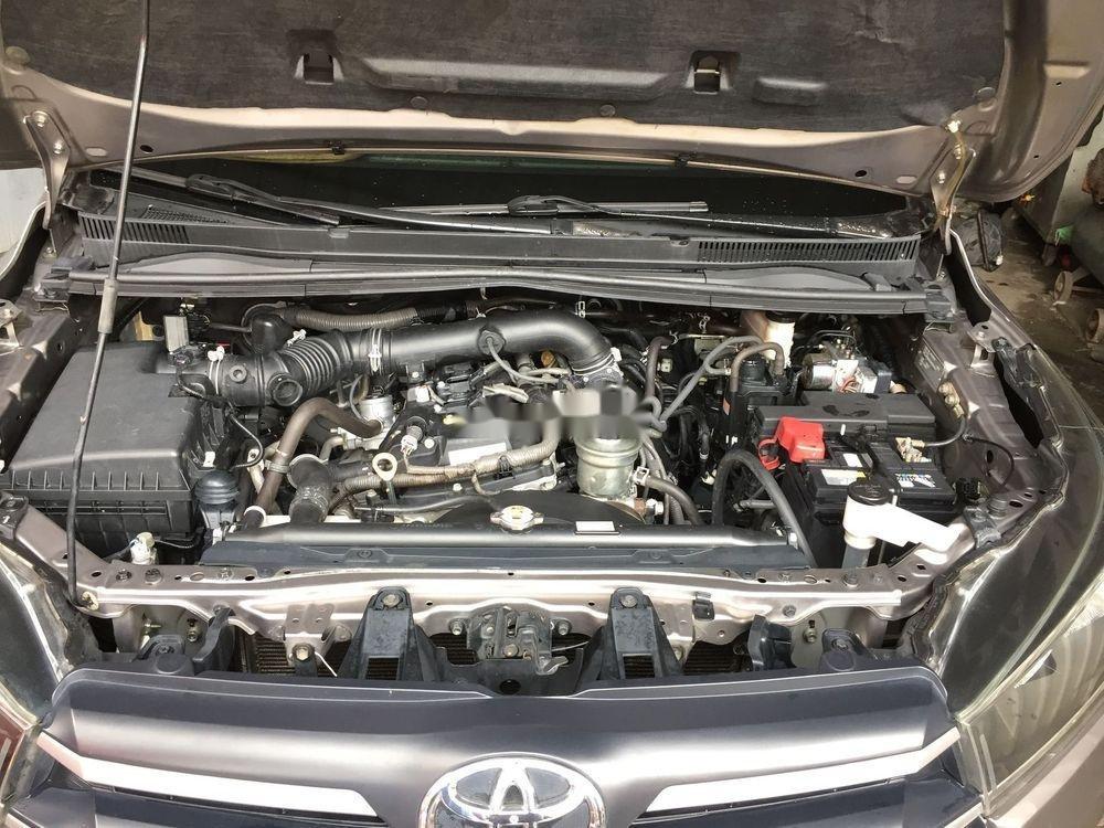 Cần bán xe Toyota Innova năm 2017 (8)