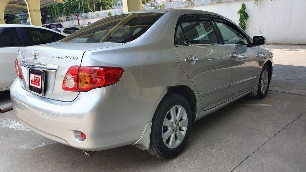 Cần bán gấp Toyota Corolla Altis 1.8AT sx 2009, màu bạc (3)