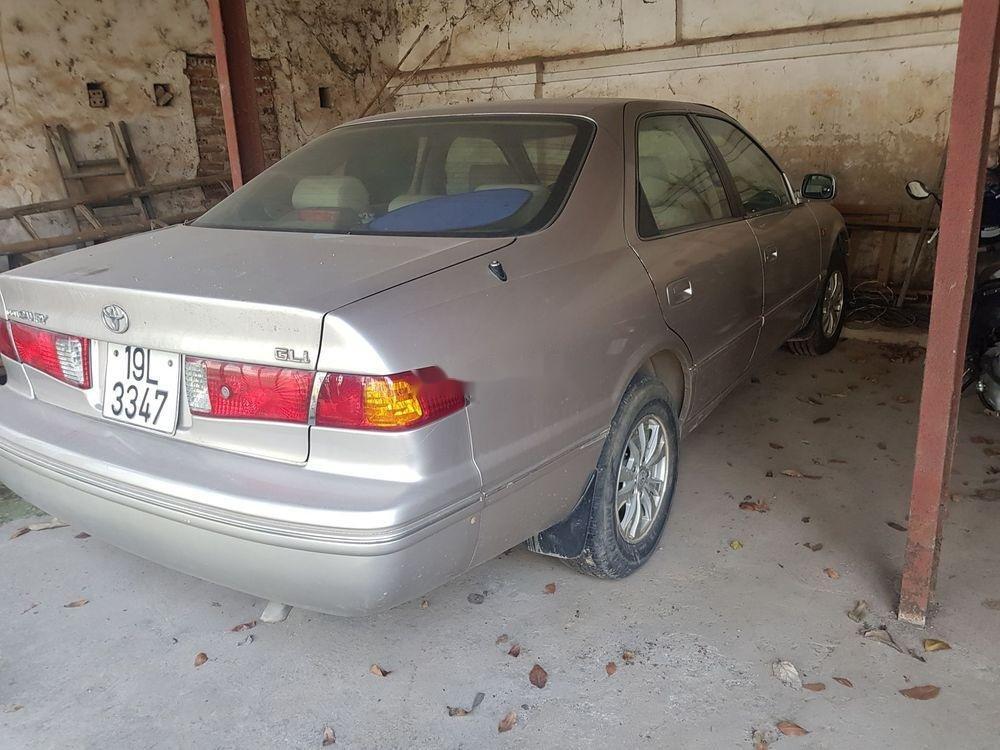 Bán Toyota Camry đời 2001, màu bạc xe nguyên bản (3)