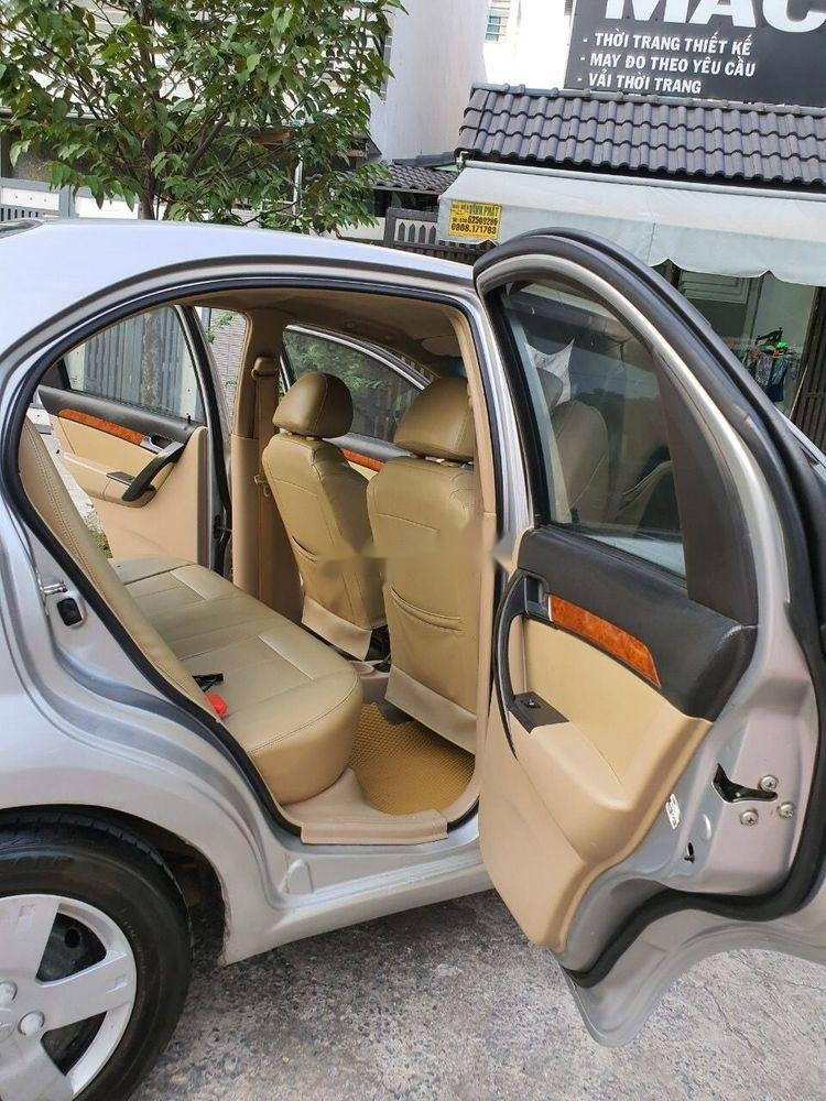Cần bán lại xe Daewoo Gentra MT 2009, màu bạc xe gia đình (10)