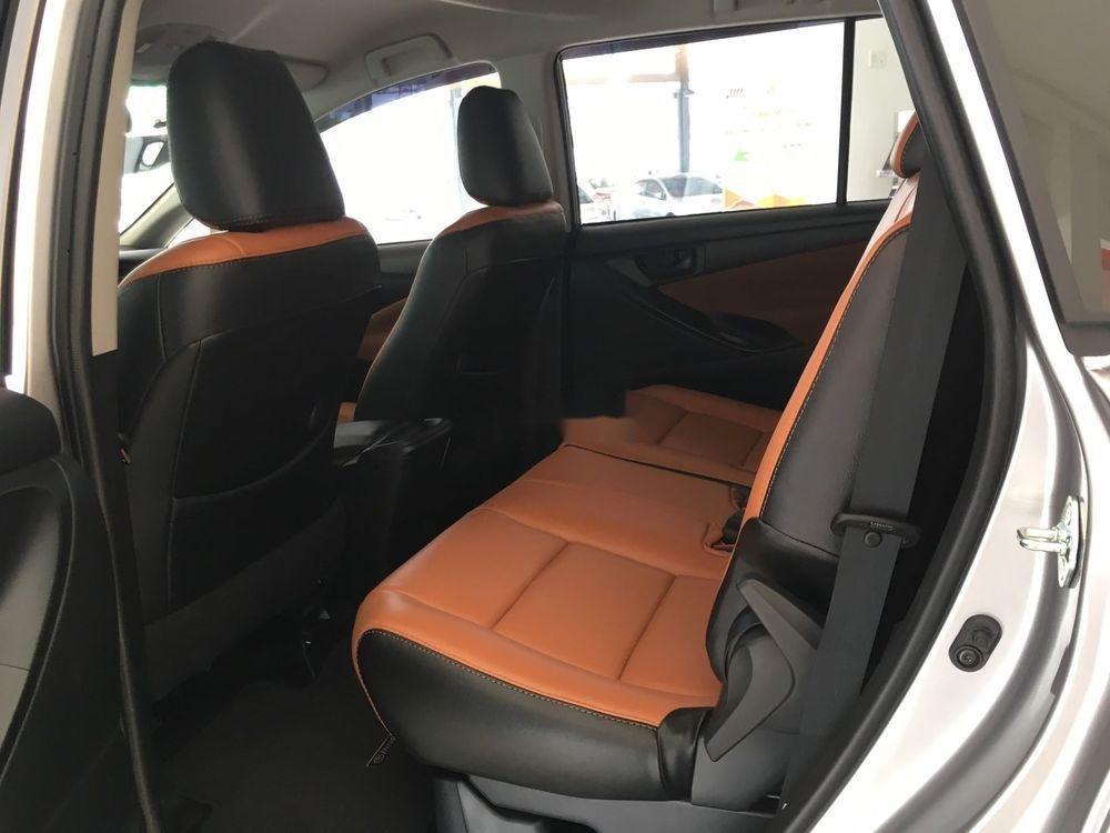 Bán Toyota Innova sản xuất năm 2019, giá tốt (4)