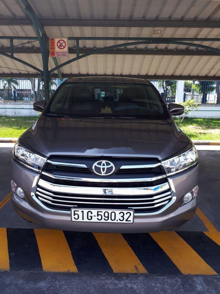 Bán xe Toyota Innova đời 2018 màu đồng ánh kim (6)