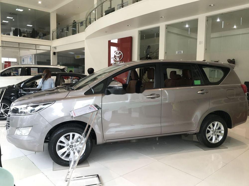 Cần bán Toyota Innova đời 2019, ưu đãi tốt (3)