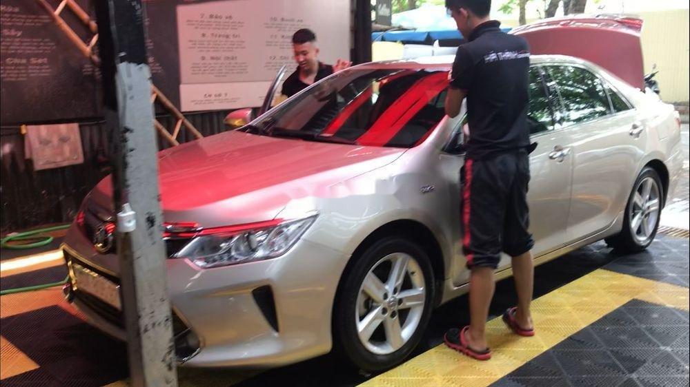 Cần bán Toyota Camry năm sản xuất 2016 xe nguyên bản (2)